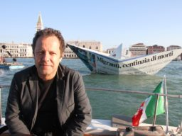 Vik Muniz's talk on February 27 at Dirimart Dolapdere